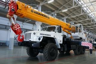 Автокран КС-45717-1Р на шасси УРАЛ-4320