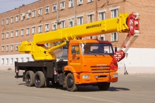 Автокран КС-45717К-1Р на шасси КАМАЗ-65115